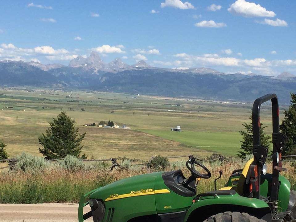 Green John Deer Tractor - Tractor Work Idaho Falls